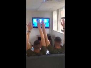 Морски пехотинци пеят