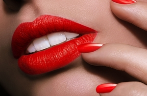 Изкусителните червени устни!