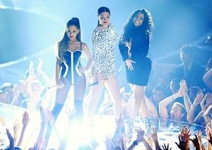 Дългоочакваният клип на Jessie J, Ariana & Nicki Minaj е вече факт!