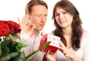 Най-лошите и неромантични подаръци за жена!