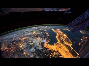 Обиколете Земята с кадри от Международната космическа станция!