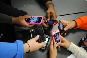 Колко пристрастени сте към телефоните си..
